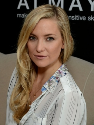 Kate Hudson Wavy Layered Hairstyle