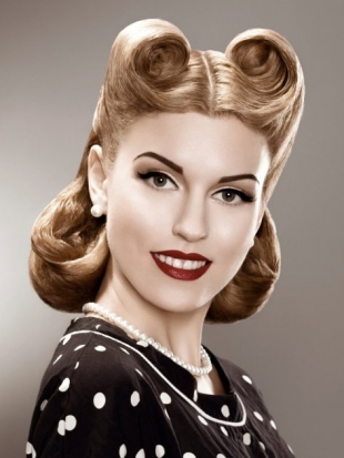 50s Pin Up Hair: Victory Rolls for Shorter Hair