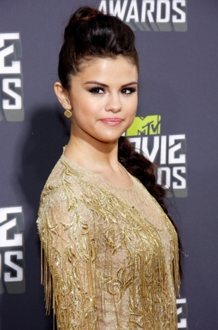 Selena Gomez Best Dressed from MTV Movie Awards 2013