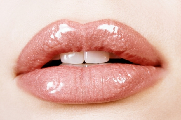 How to Lighten Lips: Natural Tips to Lighten Your Lip Color