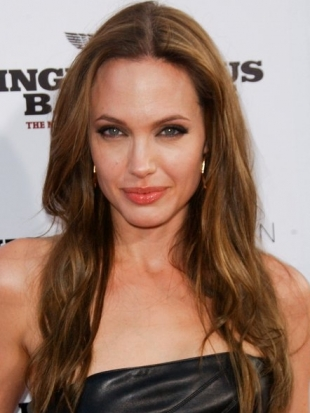 Angelina Jolie Thick Wavy Haircut