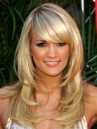 Carrie Underwood Long Thick Layered Haircut