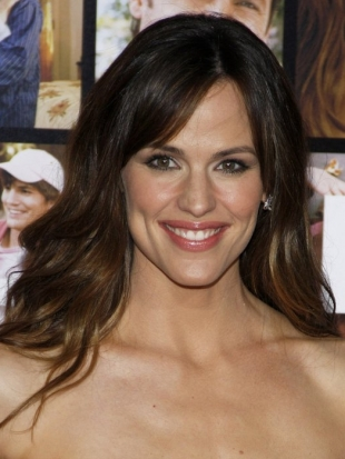 Jennifer Garner Layered Haircut with Bangs