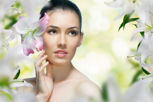 There are thousands of anti-aging creams, moisturizers, lotions serums, exfoliators, and cleansers available for women's skin care. Which ingredients should you look for? Beauty Oils. The.