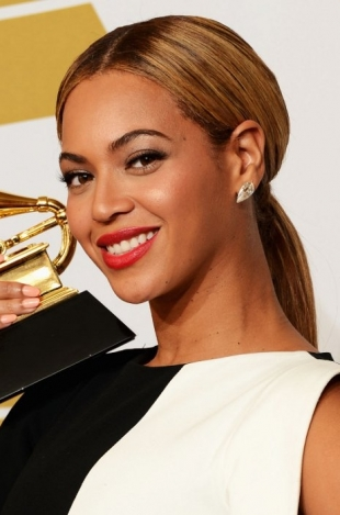 Beyonce 2013 Grammys Hairstyles and Updos