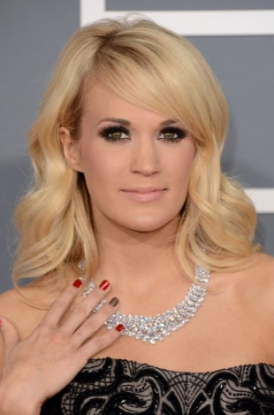 Carrie Underwood 2013 Grammys Hairstyles and Updos