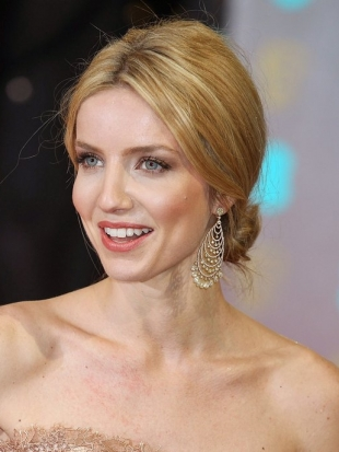 Annabelle Wallis 2013 BAFTA Awards Hairstyles