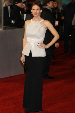 2013 BAFTA Awards Dresses: Jennifer Garner