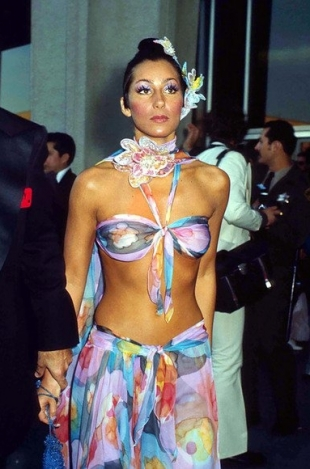 10 Most Bizarre Oscars Dresses