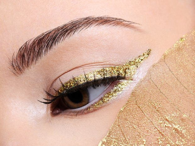 How to Wear Glitter Eyeliner