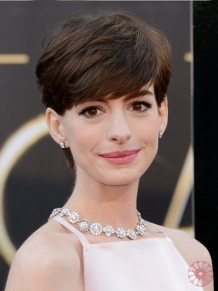 Anne Hathaway Oscars Hairstyles 2013: Short Crops