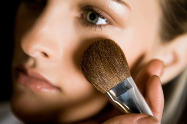 Best Ingredients for Natural Makeup