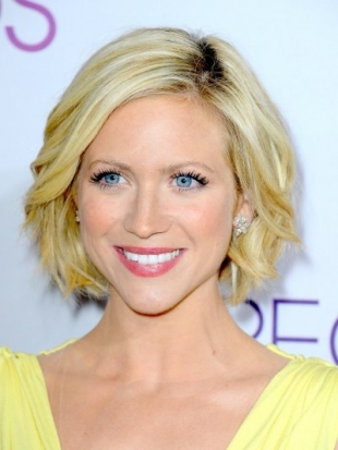 Brittany Snow Hairstyle at 2013 Peoples Choice Awards