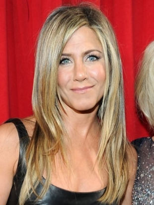 Jennifer Aniston Hairstyle at 2013 Peoples Choice Awards