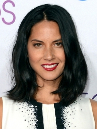 Olivia Munn Hairstyle at 2013 Peoples Choice Awards