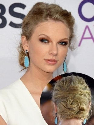 Taylor Swift Hairstyle at 2013 Peoples Choice Awards