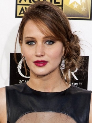 Jennifer Lawrence Hairstyle at 2013 Critics Choice Awards