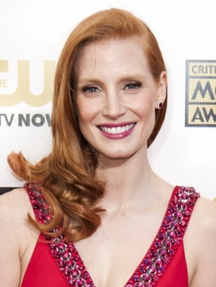 Jessica Chastain Hairstyle at 2013 Critics Choice Awards
