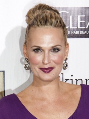 Molly Sims Updo at 2013 Critics Choice Awards