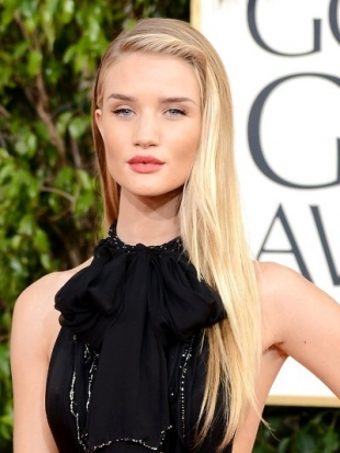 Rosie Huntington-Whiteley Hairstyle at the 2013 Golden Globes