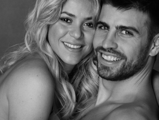Shakira and Gerard Piqué Reveal Pregnancy Photos