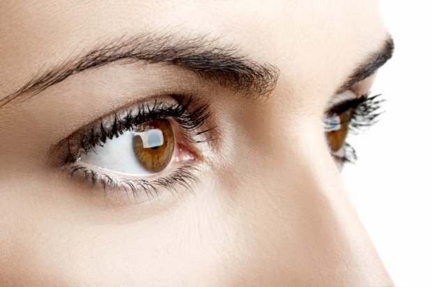 Causes and Remedies for Eyelashes Falling Out