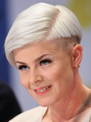 Robyn Undercut on Short Hair