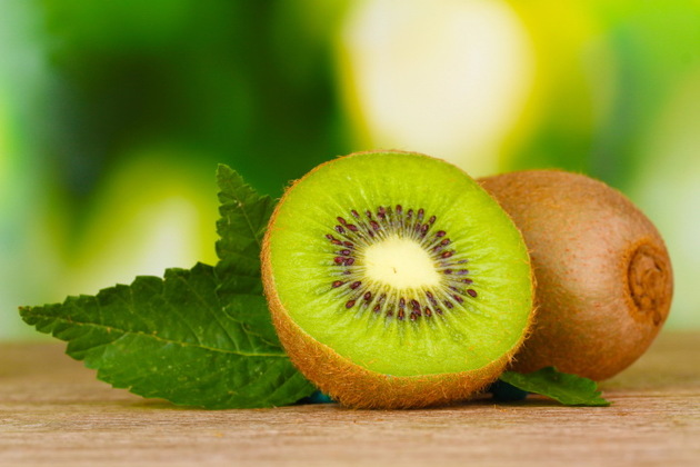 Kiwi As Low Calorie Snack