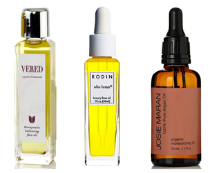 Face oils are very popular nowadays and famous makeup artists even admitted that these products were their secret beauty weapons. Here are some of the best face oils for skin care!