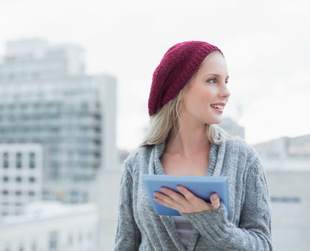 The cold weather outside can be the perfect time to take your beanie out of the closet and wear it again. Get ready to find out new ways to wear this versatile fashion item!