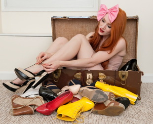A clothing swap party can be the perfect time to gather your best friends and refresh your wardrobe. But like any other party, this also involves certain rules you should follow.