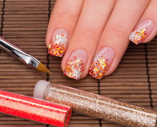 The concept of nail art has become very popular in the past few years, as women love to be creative and experiment with different designs. So, how about finding out how to do nail art at home?