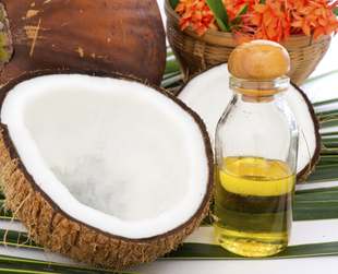 Oil pulling is an Ayurvedic remedy used for detoxification and oral health. If you're curious to find out more about this procedure, start by discovering its greatest benefits!