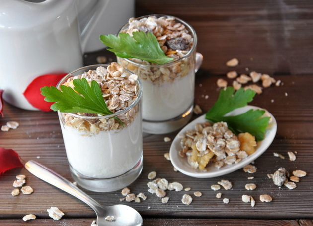Oatmeal And Yoghurt