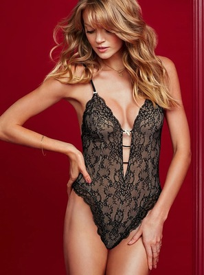 Victorias Secret Valentines Day 2014 Lingerie Look  (10)