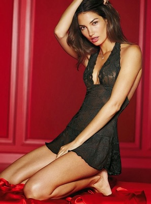 Victorias Secret Valentines Day 2014 Lingerie Look  (11)