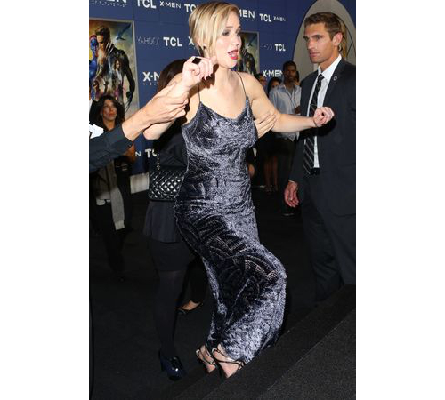 Jennifer Lawrence High Heels Falling