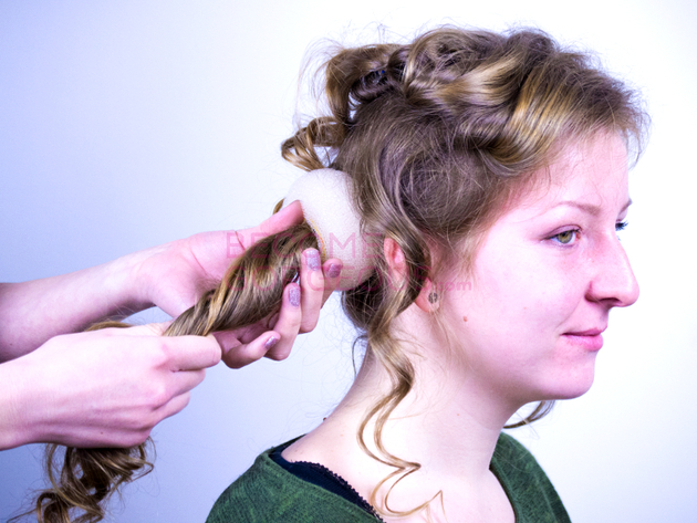 How To Put Donut In Hair