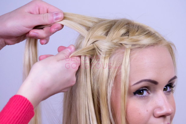 Modified Waterfall Braid Step 2