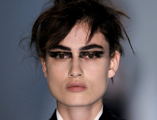 Graphic Eyeliner Spring 2015 Trends