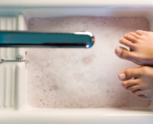 When you're doing your own pedicure, it's good to know a few great tricks that help you save time and effort. Check out a few excellent pedicure life hacks.