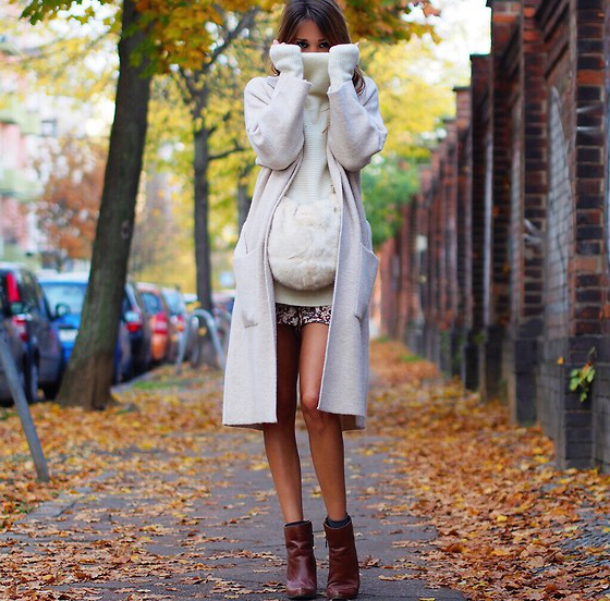 Ankle Boots With Shorts And Coat
