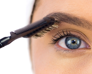 Bold and big  eyebrows are trendy and they can also make you look younger. Discover the best professional tips that help you rock bold brows for maximum impact.