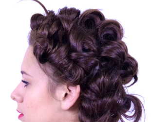 Whether you want to tame frizz or get the perfect curls, the way you style your hair before you sleep is very important. Here are the best nighttime hairstyles.