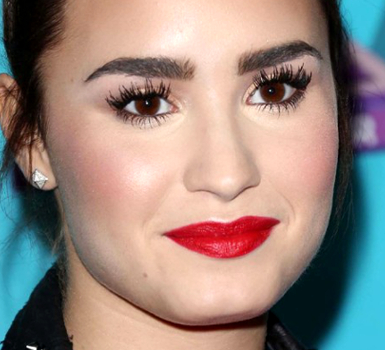 Demi Lovato Makeup Fail