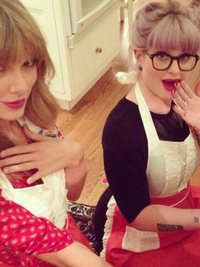 10 Celebrities Who Love Baking