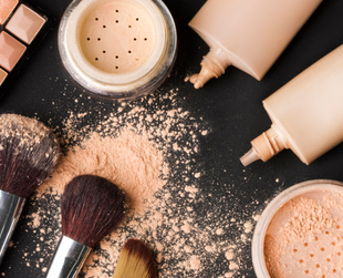 If you want your makeup to stay put and look flawless many hours after application, try some of the best tricks that will ensure it won't get runny or flaky.