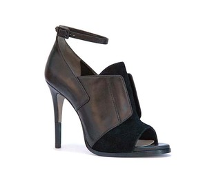 Get a sneak peek of Cameron Diaz first shoe line for Pour la Victoire for the fall 2014 season.