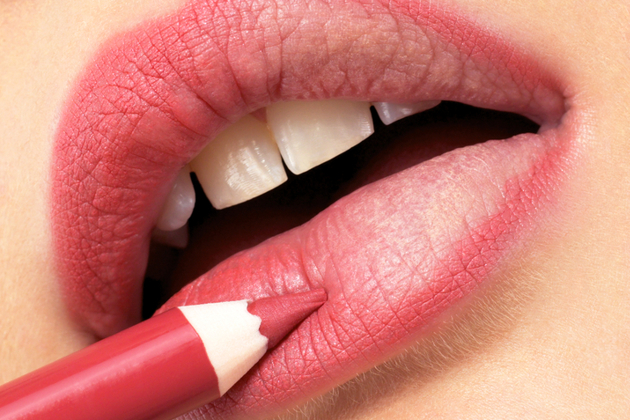 Use Lip Liner Correctly