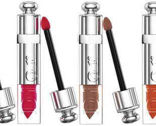 Dior combines the characteristics of lipstick, lip gloss and a lip lacquer, in its new Dior Addict Fluid Stick range scheduled to hit the counters soon. Have a look!